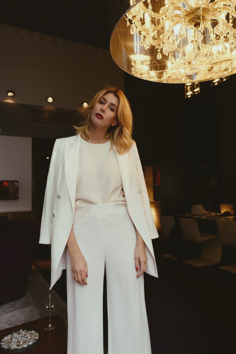 all-white-look-im-herbst