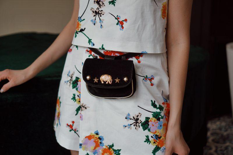 Minikleid-mit-Blumenmuster