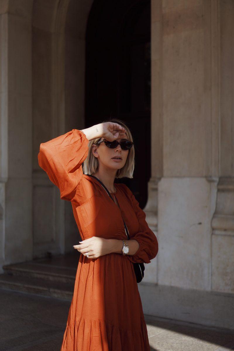 rostfarbenes-Kleidrostfarbenes-Kleid
