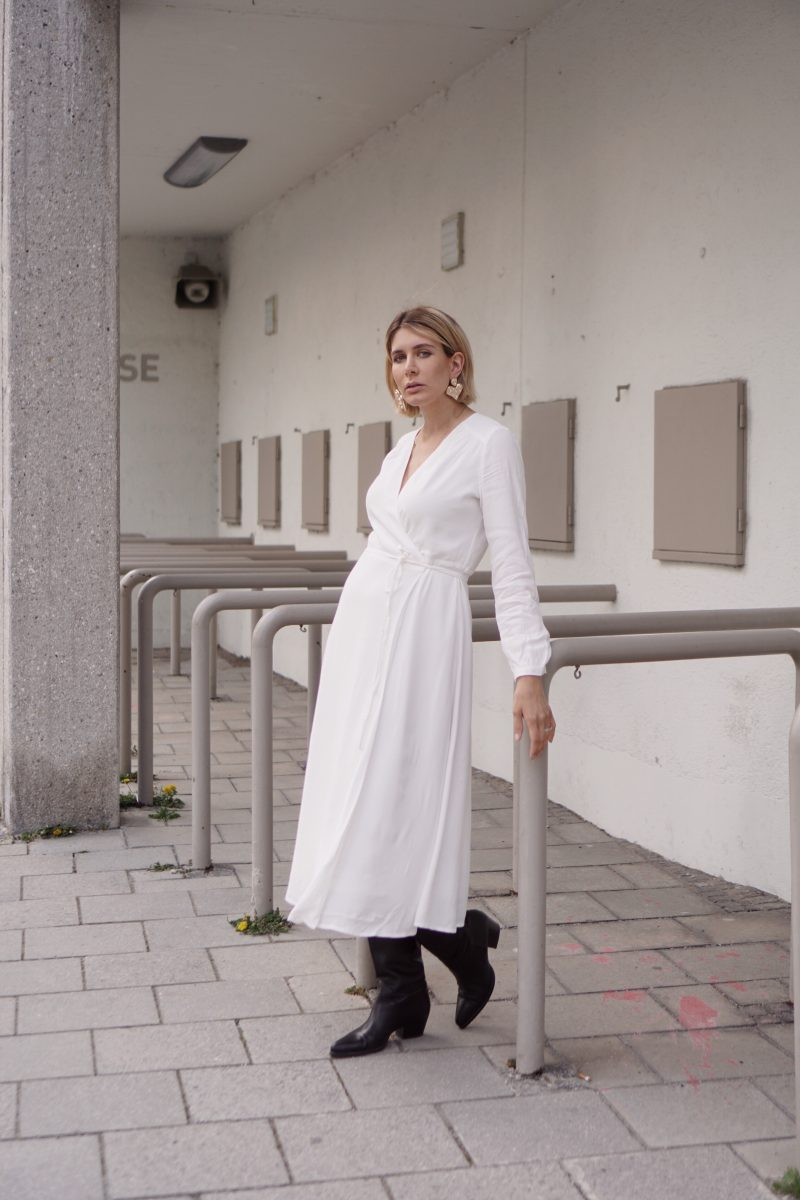 weißes-Wickelkleid