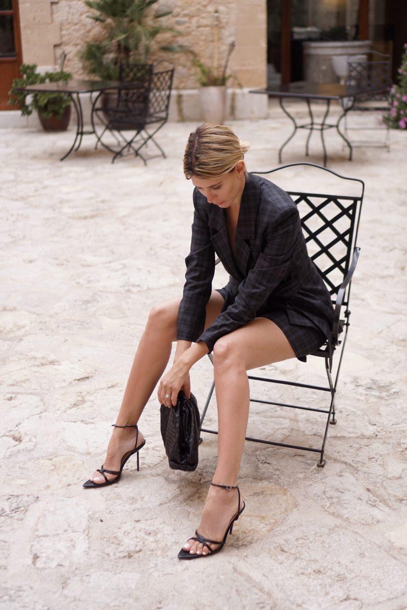 Anzug-mit-Shorts